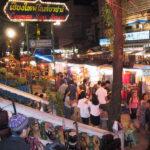 活気あふれるチェンマイのナイトバザール(タイ)
